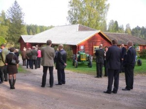 Maamiesseuran 110 vuotisjuhlissa 25.9.2010 ihailtiin uutta kattoa