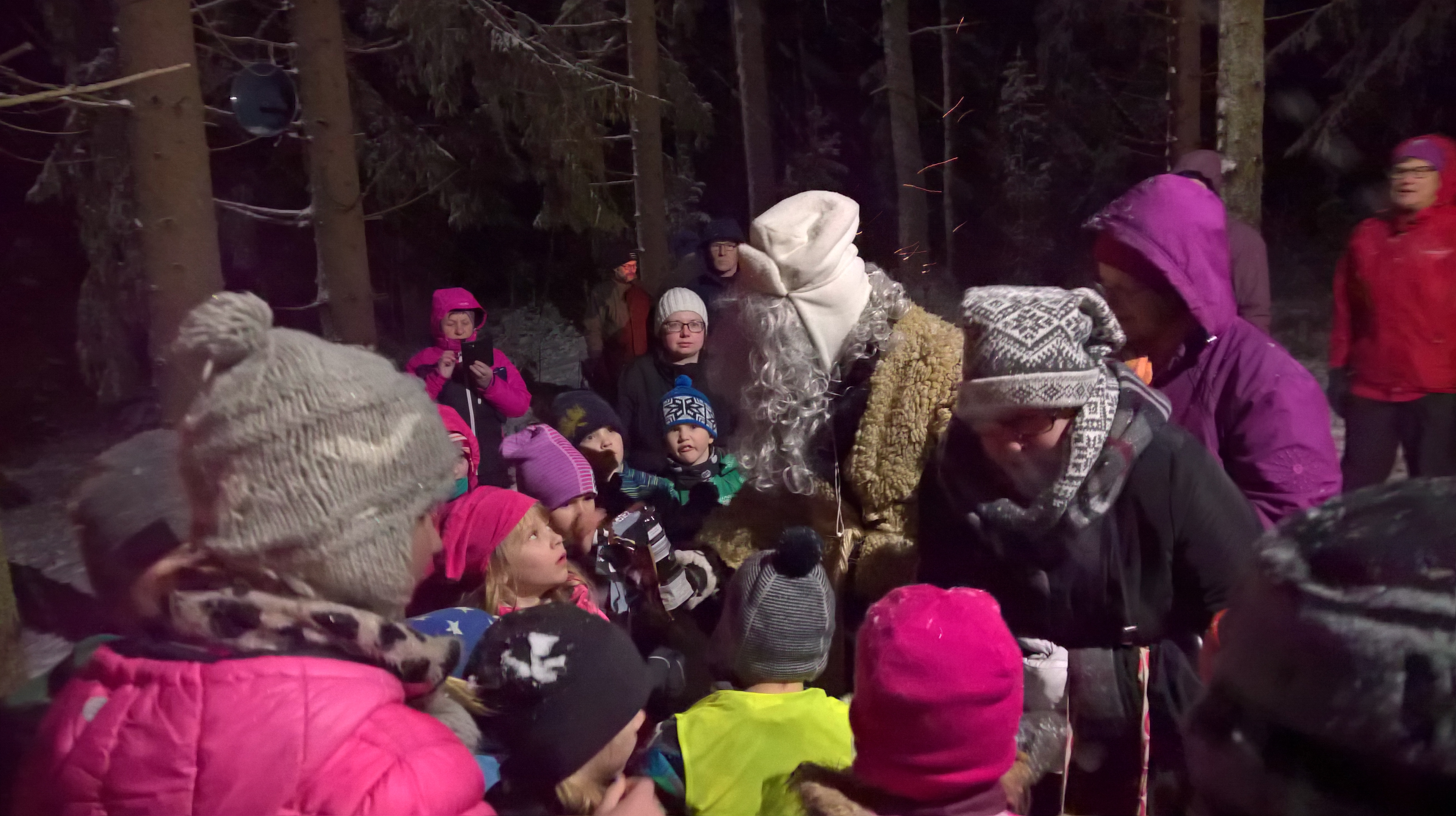 Joulupukki ja lapset